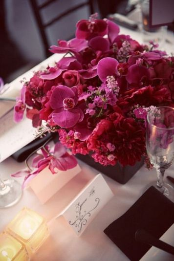 https://thetreasuredpetal.wordpress.com/2010/07/20/a-sleek-magenta-wedding/