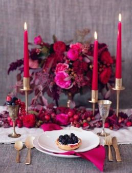 http://burnettsboards.com/2013/11/red-berry-tablescape-inspiration-shoot/
