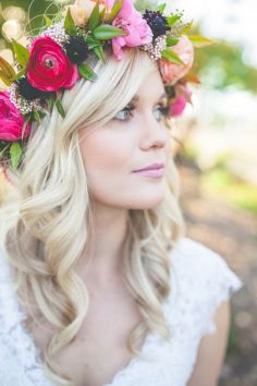http://www.weddingchicks.com/blog/feel-good-floral-wedding-ideas-l-10192-l-41.html