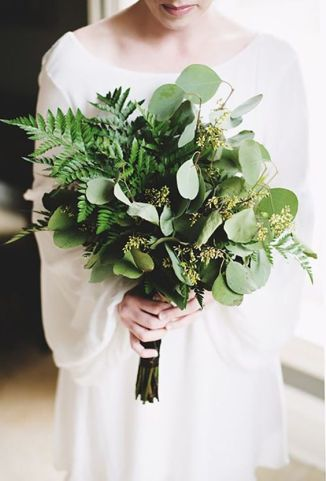 zielony bukiet slubny z paproci | all greenery wedding flowers with ferns