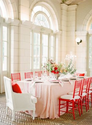 Wedding table decor - red and white