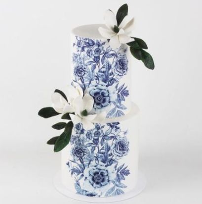 blue porcelain flowers wedding cake