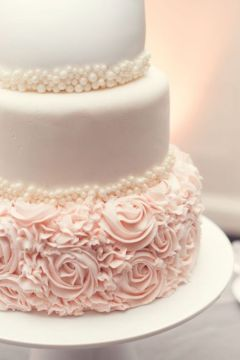 pearl blush wedding cake